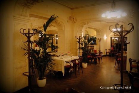 O interior do Caffé Tommaseo.