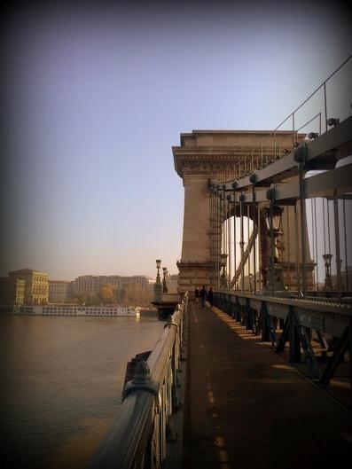 A Ponte das Correntes. Tão bonita...