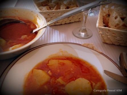 A sopa de tomate deliciosa que comi no Redondo.