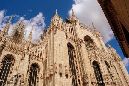 Fachada lateral da catedral de Milão.