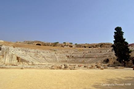 O teatro romano em Siracusa.