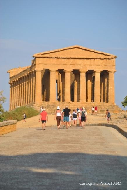 O templo da Concórdia no Vale dos templos, em Agrigento.
