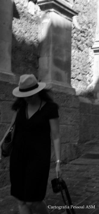 Uma fileira de sombra, também em Noto.