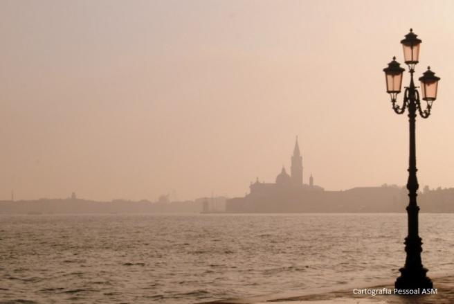 Caminhar na ilha da Giudecca oferece-nos esta perspetiva.