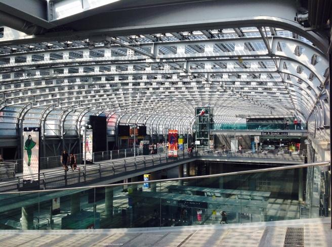 Estação Torino Porta Susa.]