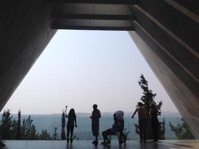 F14_Yad_Vashem